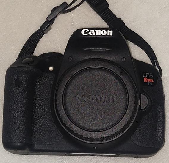 Câmera Digital Canon Eos Rebel T5i 18mp Lcd Móvel E Touch