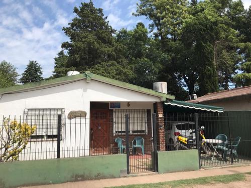 Casa Con Escritura En Zona Muy Tranquila