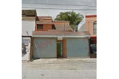 Casa Amplia En Jardines De Nuevo Mexico