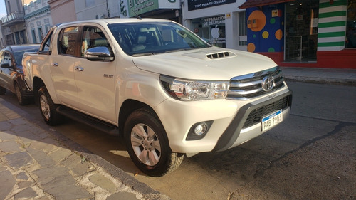 Toyota Hilux 3.0 Cd Srv Tdi 171cv 4x2 - B3 2016
