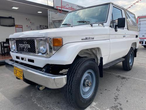 Toyota Land Cruiser Fj73
