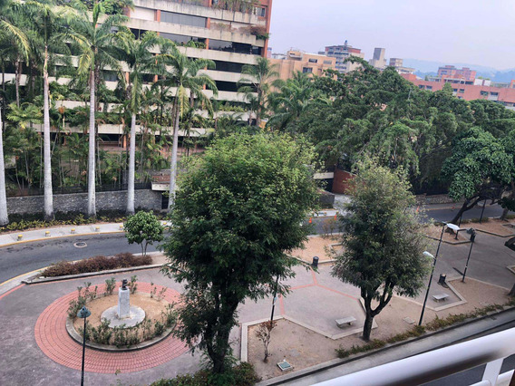 En Alquiler Apartamento Urb Campo Alegre