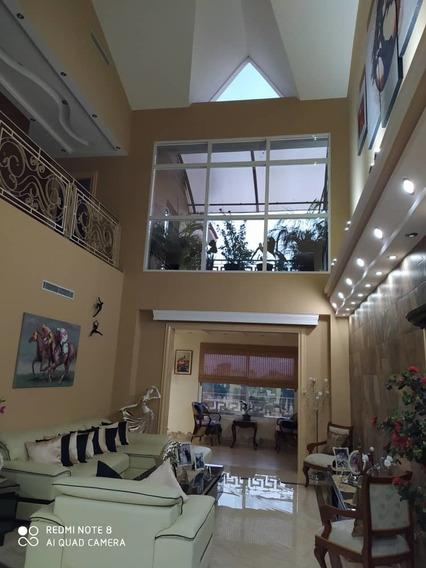 Penthouse Amoblado En Venta En Urb La Arboleda/04243562969