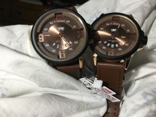 Kit 2 Relógios Naviforce, Fundos Marrons, Iguais.