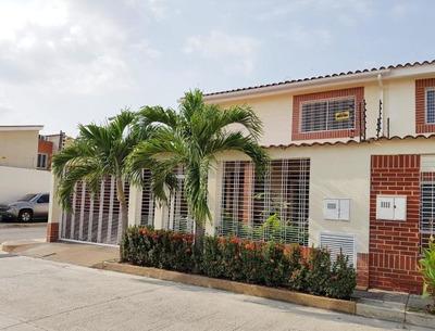Townhouse Avenida Aragua Urb Los Girasoles Zp19-10971