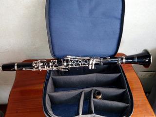 Clarinete Marca Lazer
