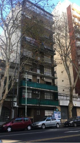 Imagen 1 de 10 de 3 Ambientes Al Frente Con Balcon