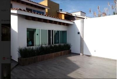 Venta De Casa Totalmente Re-modelada En Lomas