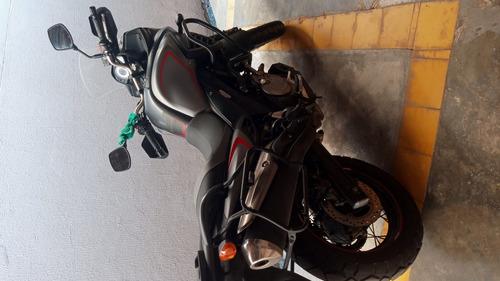 Imagem 1 de 4 de Suzuki Vstron 650cc