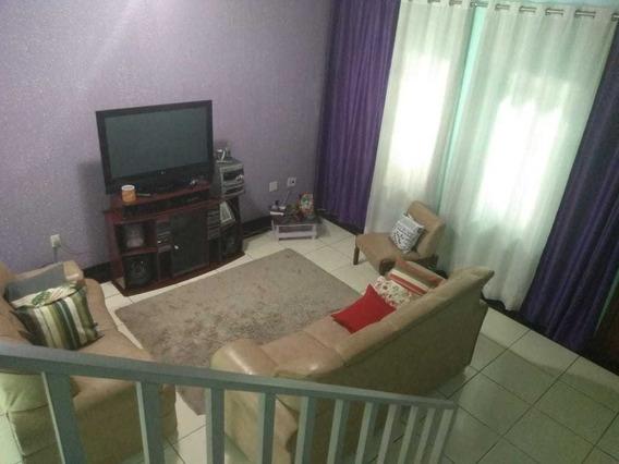 Ótima Casa Geminada Independente Com 03 Quartos E 02 Vagas. - Gar9549