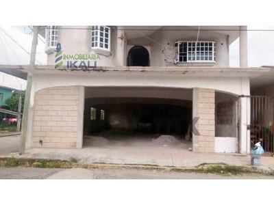 Renta De Local Comercial 171 M² Col Deportiva San Rafael Veracruz, Tiene 171 M² De Construcción. Está Ubicado Sobre La Calle Cristian Magnani 907 Esquina Con Calle Privada De Cristian Magnani De La C