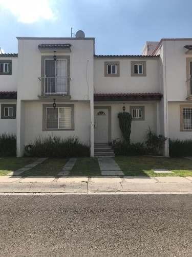 Se Renta Hermosa Casa En Monteblanco Iii
