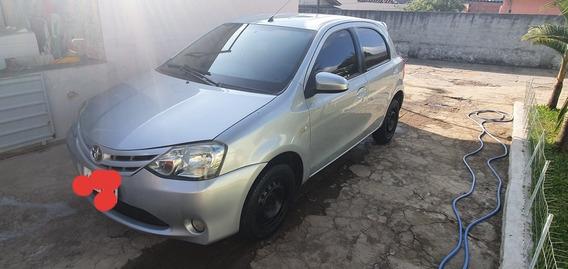 Toyota Etios 1.5 16v Xs 5p 2014