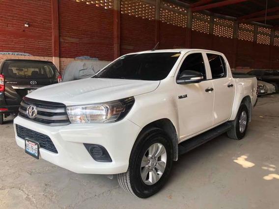 Toyota Hilux 2017 2.7 Cabina Doble Sr Mt