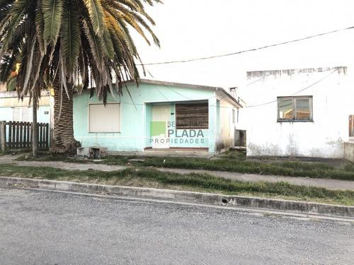 Muy Linda Casita De 2 Dormitorios, Con Posibilidad De  Otro Apartamento, Entrada De Coche Y O Garage- Ref: 287