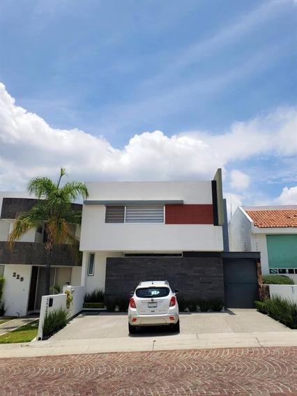 Casa De Lujo En Venta, En Cumbres Del Lago, Juriquilla, Queretaro