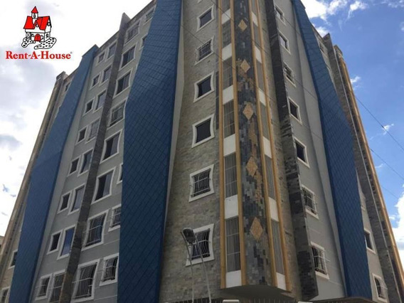 Apartamento En Venta Los Chaguaramos 20-301 Jcm