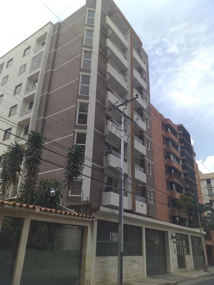 Apartamento A Estrenar Urb. El Bosque Cod. 421858