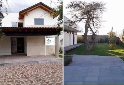 En Lomas Del Campanario, 4 Recámaras, 5 Baños, Estudio, Lujo