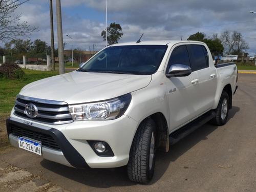Imagen 1 de 4 de Toyota Hilux 2018 2.8 Cd Srv 177cv 4x4 At