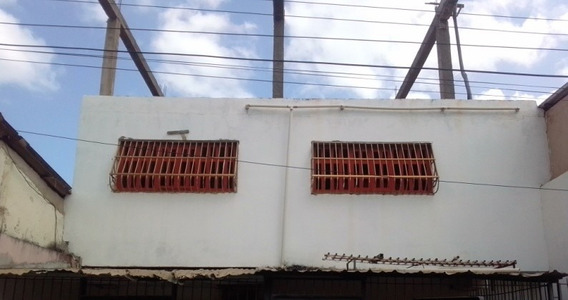 Se Vende Local Comercial En Zona Céntrica,calle Las Margarit