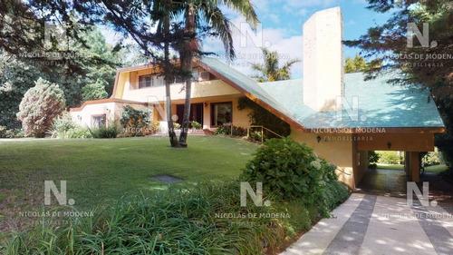 Venta De Casa 7 Dormitorios En Barrio Golf- Ref: 664