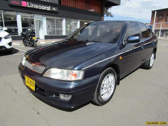 Nissan Primera Gxe 1.6 Mt
