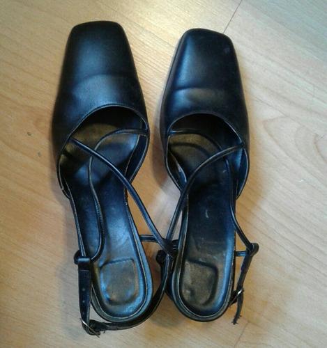 Zapatos De Cuero Negro Taco Bajo Punta Cuadrada Número 39