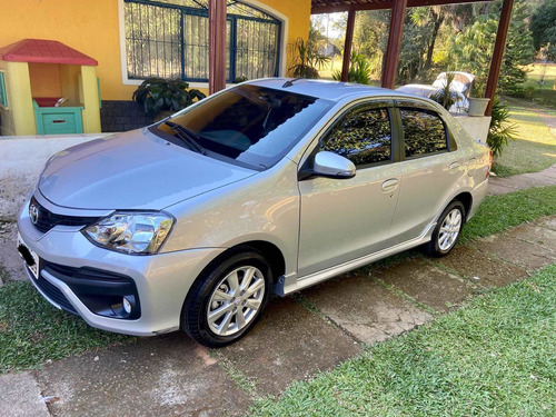 Imagem 1 de 8 de Toyota Etios 2018 1.5 16v Xls Aut. 4p