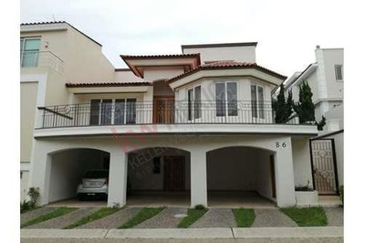 Casa Dentro De Coto En Virreyes, Zapopan