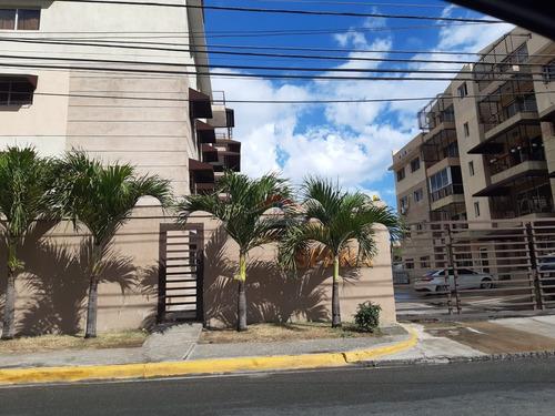Apartamento Cuarta Planta Con Terraza Ensanche Isabelita