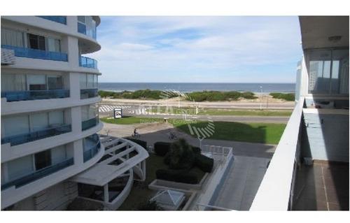 Playa Brava, 2 Ambientes, Balcon Con Vista.-ref:1551