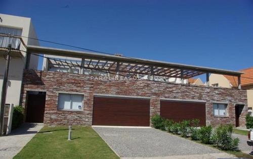 Casa En Venta De 4 Dormitorios En La Barra -ref:3946