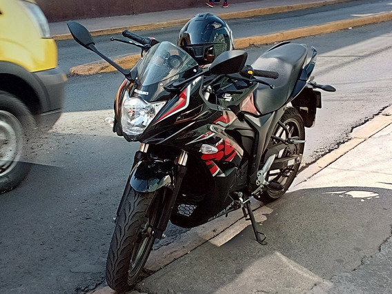 Suzuki Gixxer Sf Bitono Negra 2018