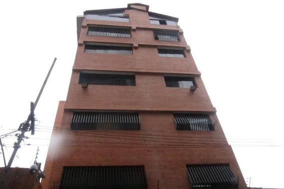 Edificio En Venta 4 Baños Y 1 Puestos