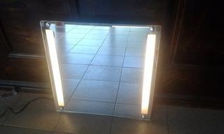 Espejo Con Luz Integrada En Buen Estado Funcionando