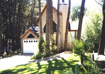 Casa De 1 Dormitorio En P. Baja., 2 En P. Alta Y 2 Baños.