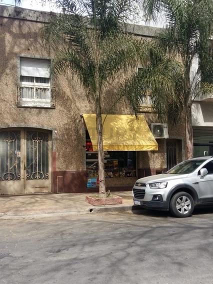 58 Entre 1 Y 2 Venta De Casa En Ph. Planta Baja, 4 Dormitorios, La Plata