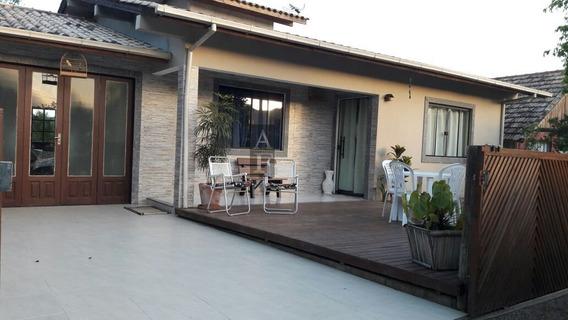 Casa A Venda No Bairro Praia Da Barra Em Garopaba - Sc. - Kv687-1