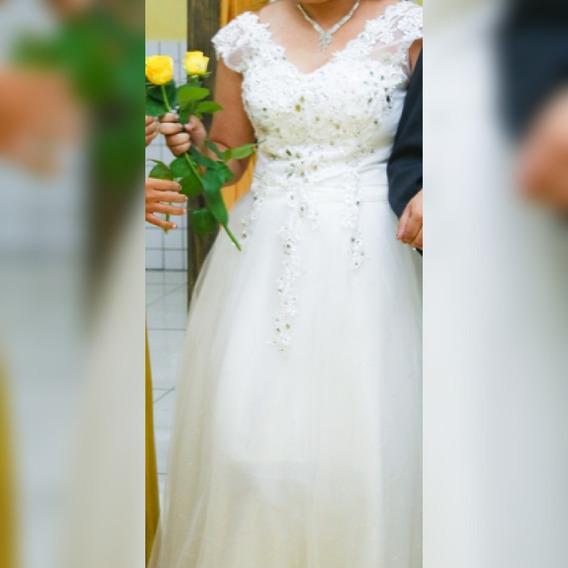 Vestido De Noiva Dois Em Um E Acompanha O Véu De 5m