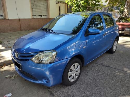 Toyota Etios X 1.5n 5 Ptas. Mt / Nafta  / 2014