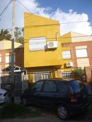 Casa Tipo Dúplex De 3 Dormitorios - En 43 E/ 135 Y 136