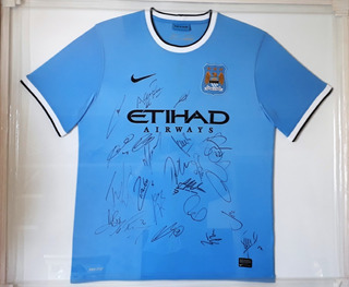 Camiseta Original Autografada Do Manchester City Campeão