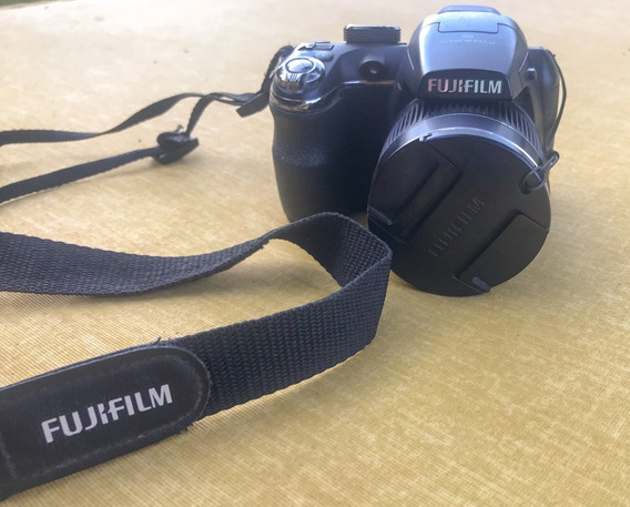 Camera Fujifilm Finepix S3300 Zoom 26x 14mp