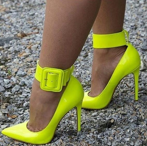 Scarpin Sapato Com Maxi Coleira Branco Noivas E Verde Neon