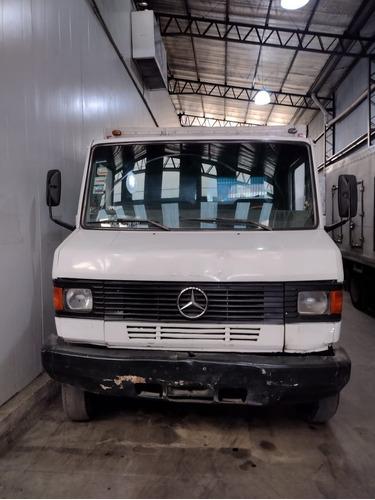 Imagen 1 de 10 de Vendo/permuto Mercedes Benz 710