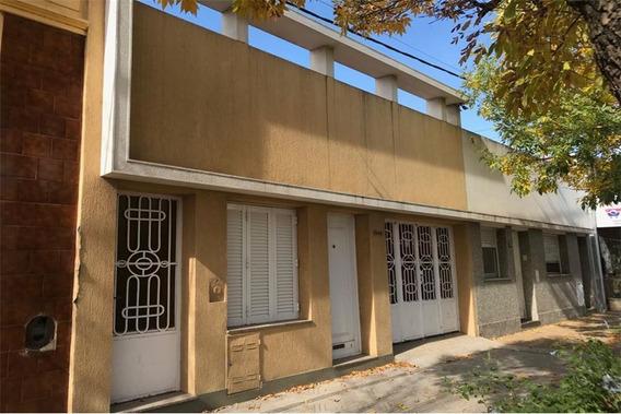 Venta Casa Dos Dormitorios Zona Centro