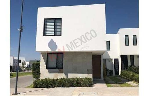 Casa En Condominio Con Alberca En El Refugio