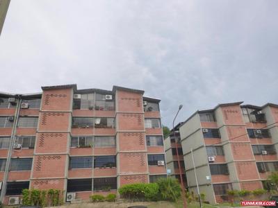 Apartamentos En Venta En Nueva Casarapa - Guarenas. 16-15250