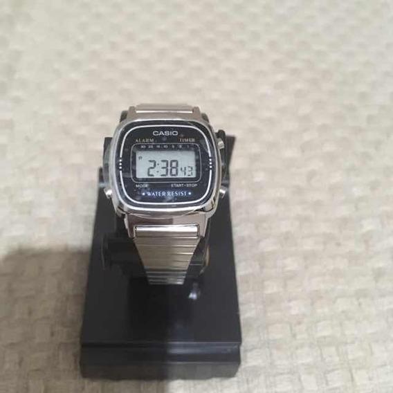 Relógio Casio La670wa-1 Mini Retrô Vintage Data Crono Timer